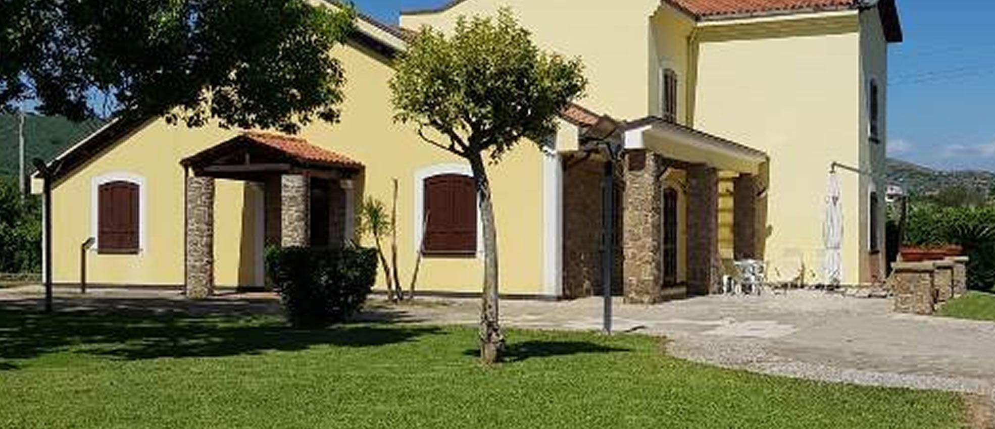 Villa prestigiosa con giardino rif. 4750