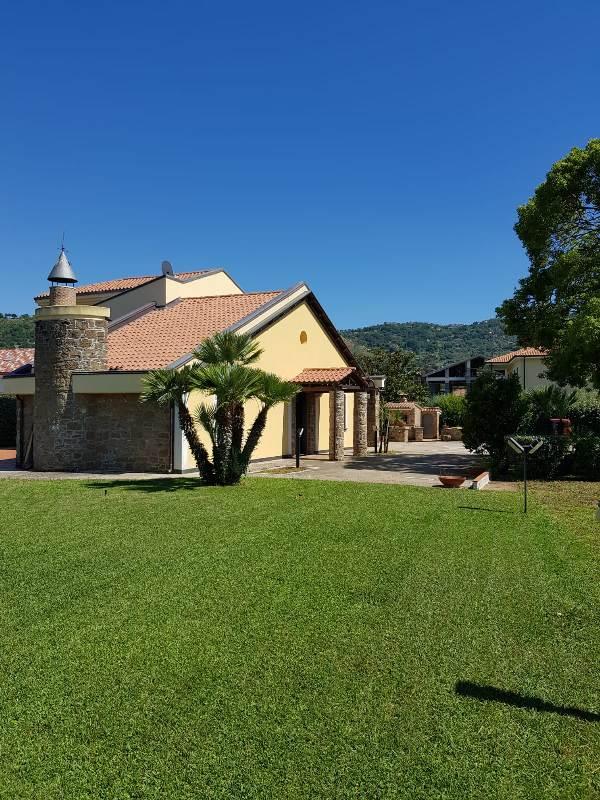 Villa esclusiva vicino al mare rif. 6107
